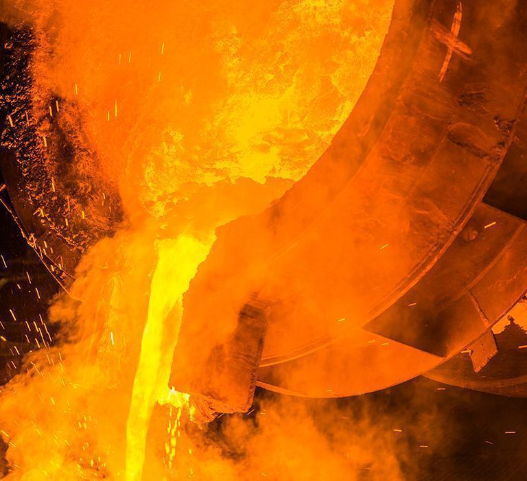 wylewanie płynnego metalu